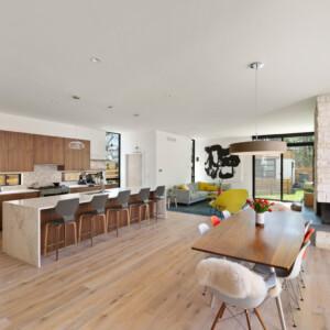 022 Kitchen 550 Iris St MLS