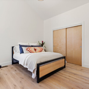 031 Bed 1 550 Iris St MLS