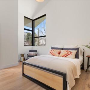 032 Bed 1 550 Iris St MLS