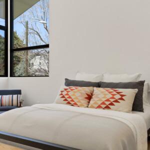 033 Bed 1 550 Iris St MLS