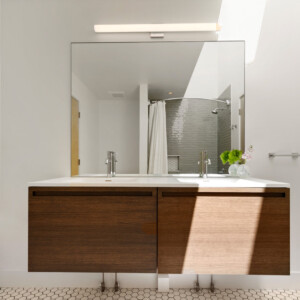 035 Bath 1 550 Iris St MLS